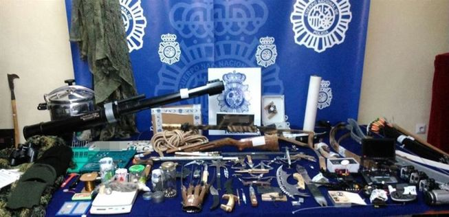 """Résultat de recherche d'images pour """"الشرطة الإسبانية تحجز الاسلحة"""""""