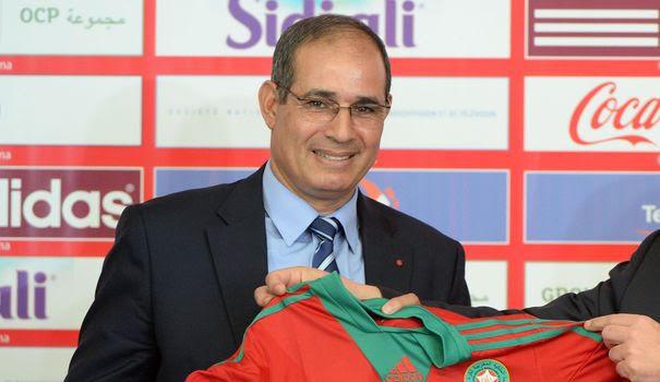 الزاكي لرئيس حكومة الجزائر. سي طبون حل الحدود (فيديو)